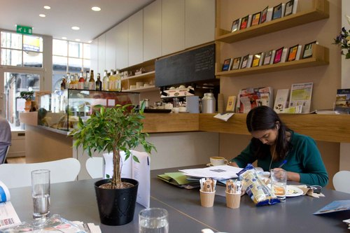 Cafe_lrb44