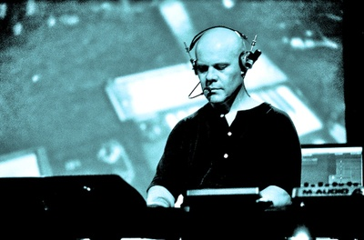 Thomas_dolby_ica_002